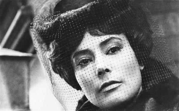 Tatiana Samoilova as Anna Karenina