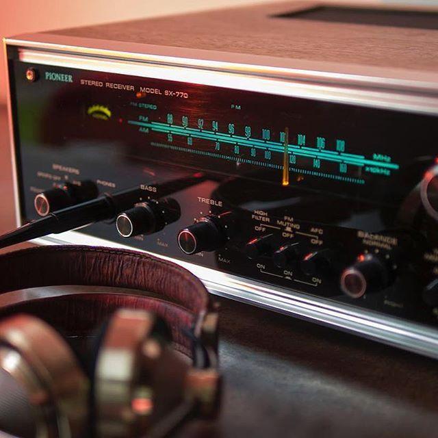 Vintage Friday's... #sound #stereo #hiresaudio #hdtracks #playback #speakers #streaming #interior #instamood #instagood #inspiration #interiordesign #design #jazz #pioneer #bookshelf #comfy #modern #music #audio #vintage #industrialdesign #classic #records #headphones #vinyl #hifi #receiver