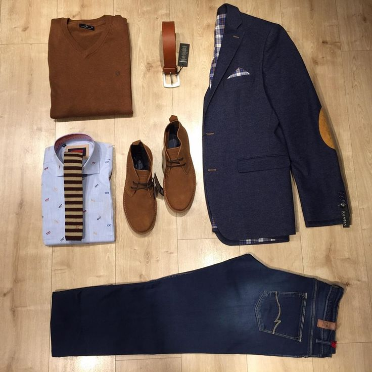 An undeniably chic smart-casual look in blue-tabac!