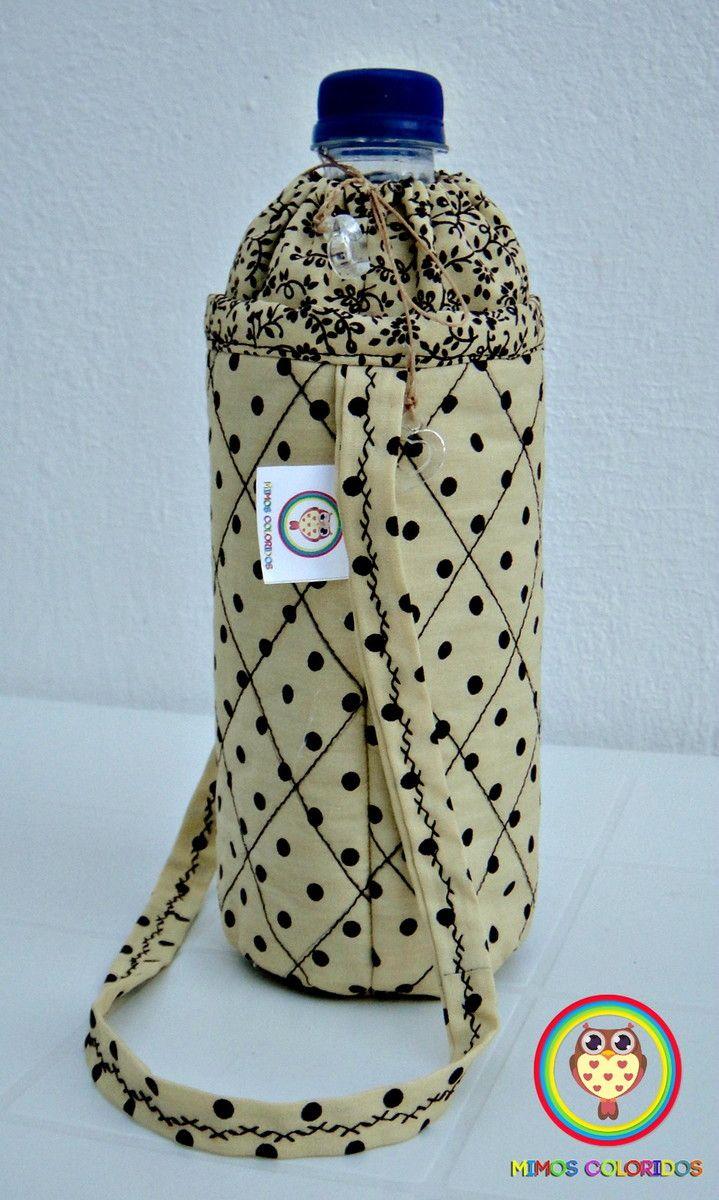 Porta garrafa para água mineral de 500 ml. Facilita o transporte da sua garrafinha, além de ser super charmoso!