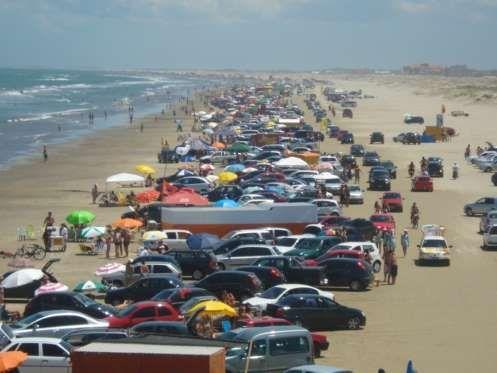 Acredite, a maior praia do mundo fica em solo brasileiro! Praia do Cassino tem mais de 220 quilômetr... - Divulgação