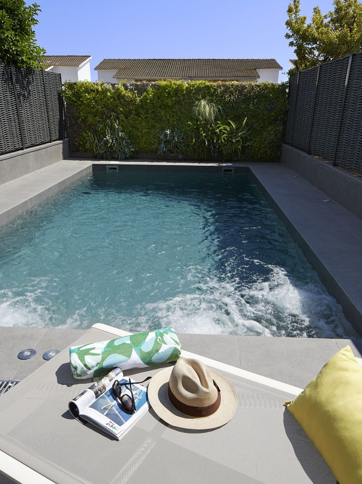 47 mejores im genes sobre exteriores en pinterest for Garden pool facebook
