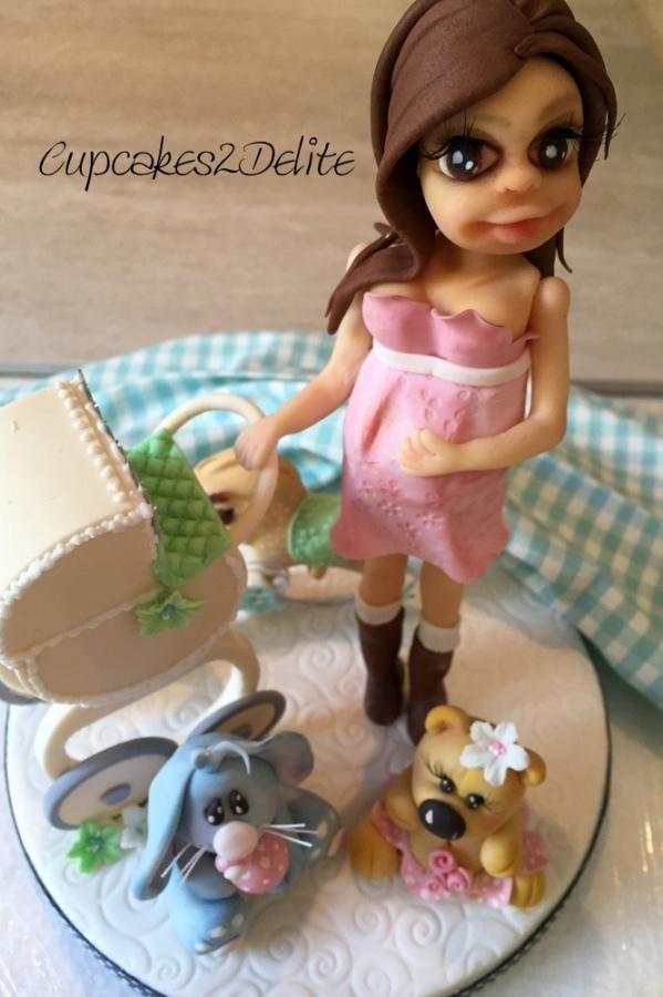 Preggy Lady Cake Topper - Cake by Lisa Cunningham
