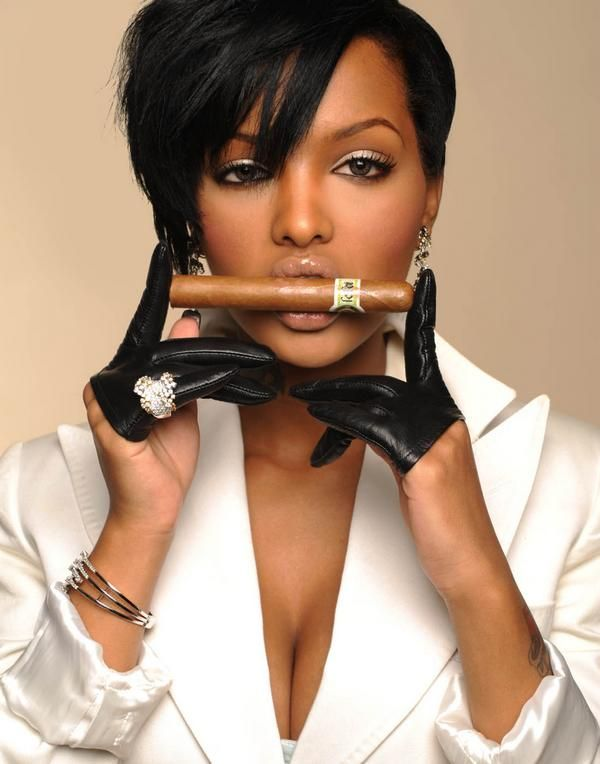 Lola Monroe Bio, Photos and Updates