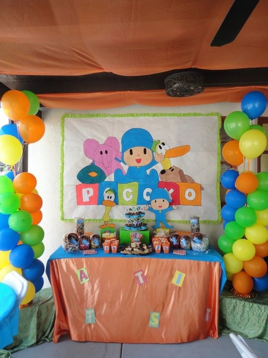 Pocoyo Party I Like How The 2 Balloon Columns Are On The