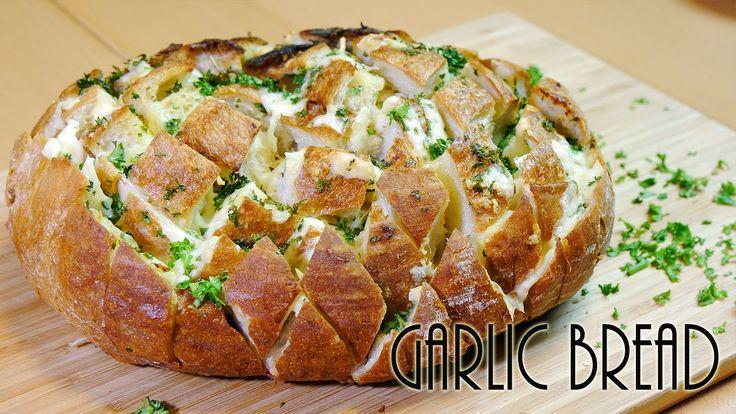 Ultimate Garlic Bread (Crack Bread Recipe)【印象的】ガーリックブレッド これはすごいですよね。