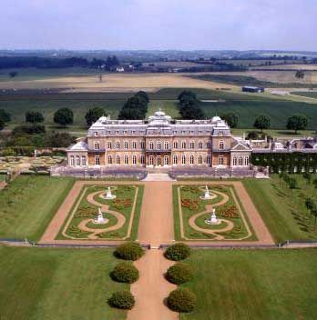 Wrest Park was the chateau the James Franco WW1 movie, Flyboys. The wedding venues is actually in Bedfordshire.