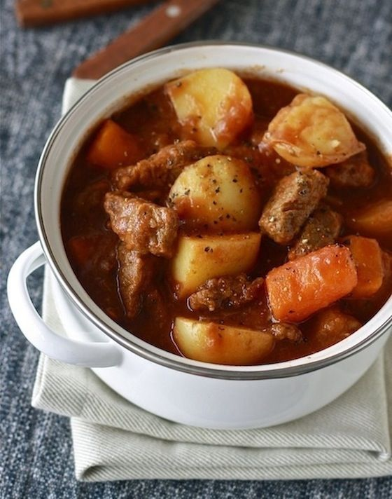 Guinness Irish Beef Stew (crock pot or stove top) So easy, perfect for cold winter nights and St. Patrick's Day.