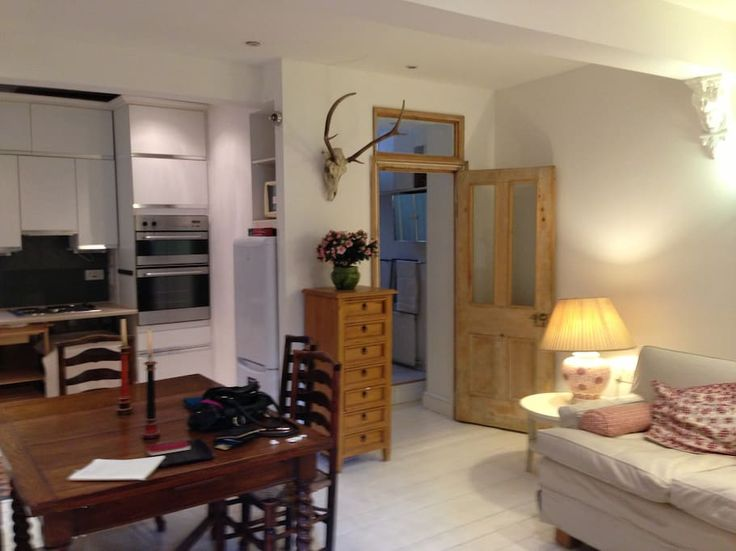 $1954 2 brim garden flat Fulham. Near tube & buses. 15 Mins from Westminster. 2 good reviews 2017.