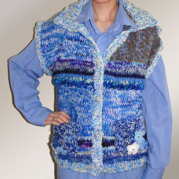 DESIGNER LUXURY HAND KNITTED GILET / BODY WARMER / WAISTCOAT MEDIUM LADIES BLUE