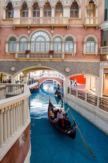 Hotel in Macau - Indoor canal - gondola ride