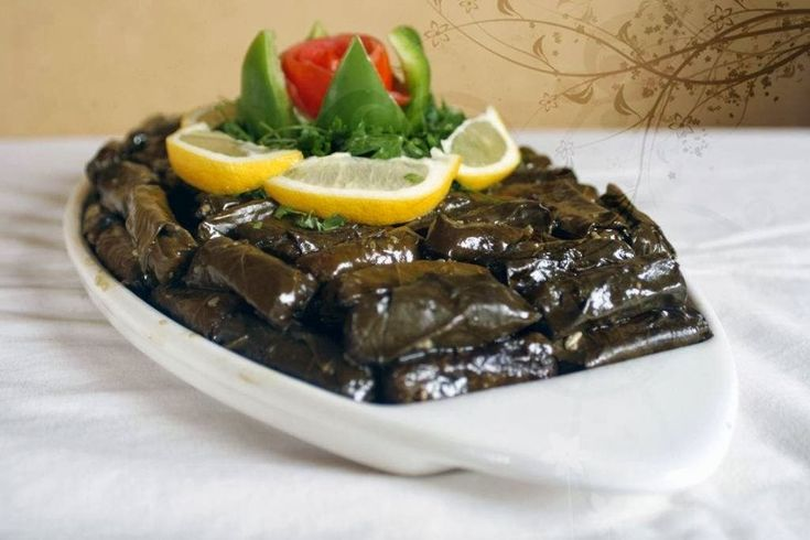 مطبخ منال العالم يلنجي ورق عنب بالزيت Cooking Recipes Food And Drink Yummy Food
