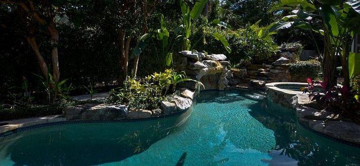Find tranquillity in the Hidden Cottage on Siesta Key.