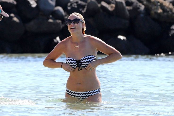 Miranda Lambert Bikini Pictures in Hawaii | POPSUGAR Celebrity