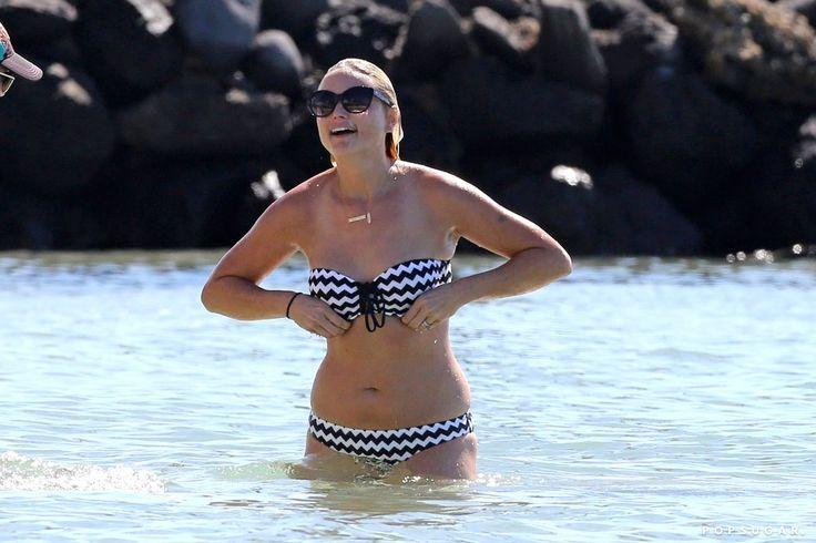 Miranda Lambert Bikini Pictures in Hawaii | POPSUGAR Celebrity