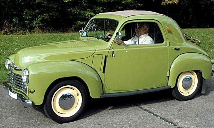 Simca 6, voiture routière de 1947  La Simca 6 ou Fiat 500 Topolino C « petite souris », ce véhicule de collection Simca Six fut fabriqué de 1947 à 1950 en 1 motorisation d'une cylindrée de 0.5 L présentant une puissance de 16 ch.