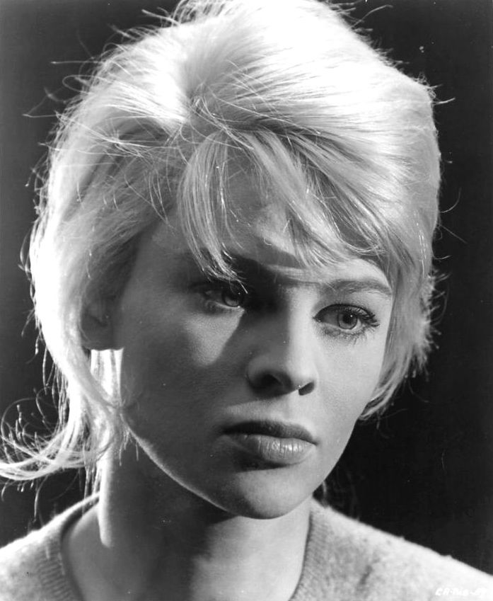Julie Christie 1960s | Portrait of Julie Christie, 1962
