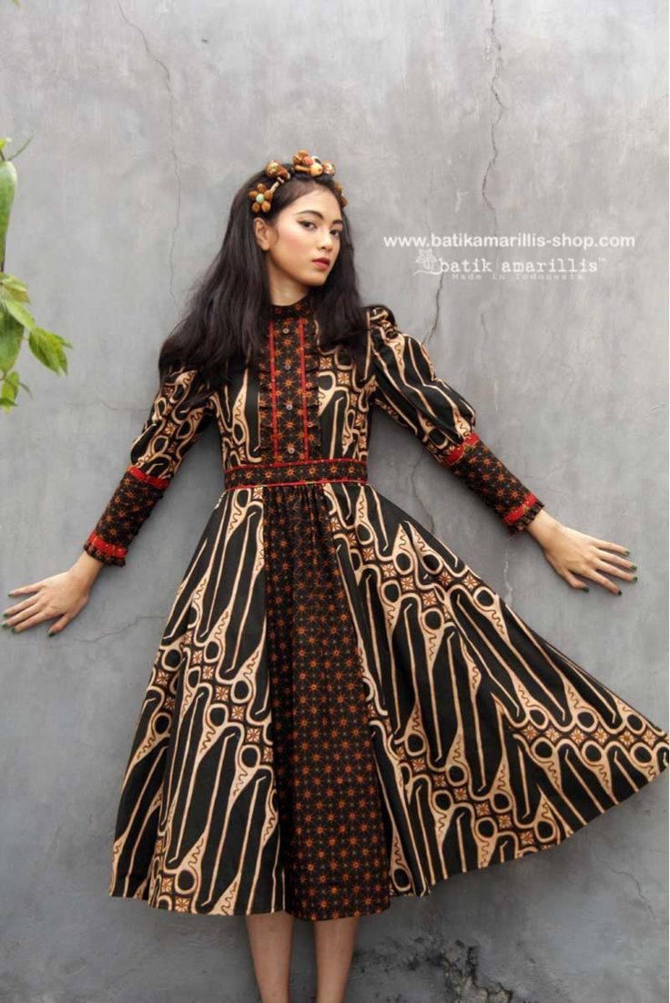 Batik Amarillis made in Indonesia www.batikamarillis-shop.com Batik Amarillis's Romana dress We maintain its distinct modern-bohemia, modest & unabashedly romantic. it has slimming silhouette with these gorgeous sleeves plus full skirt for ethereal head-turning approach to occasion dressing #batikindonesia