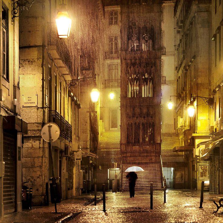 The Lift - Christophe Jacrot - Schilderijen, fotografie, fotokunst online bij LUMAS