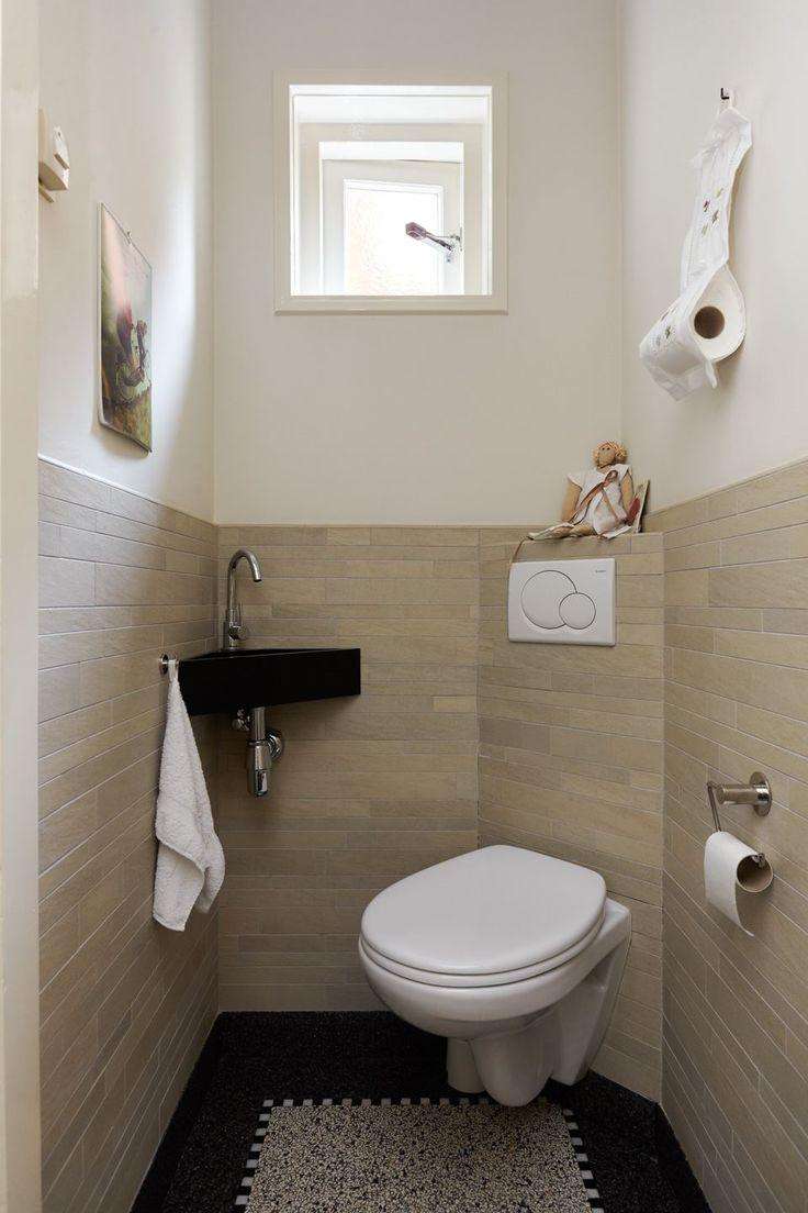 Jaren30woningen.nl | Modern toilet met klassieke terrazzovloer