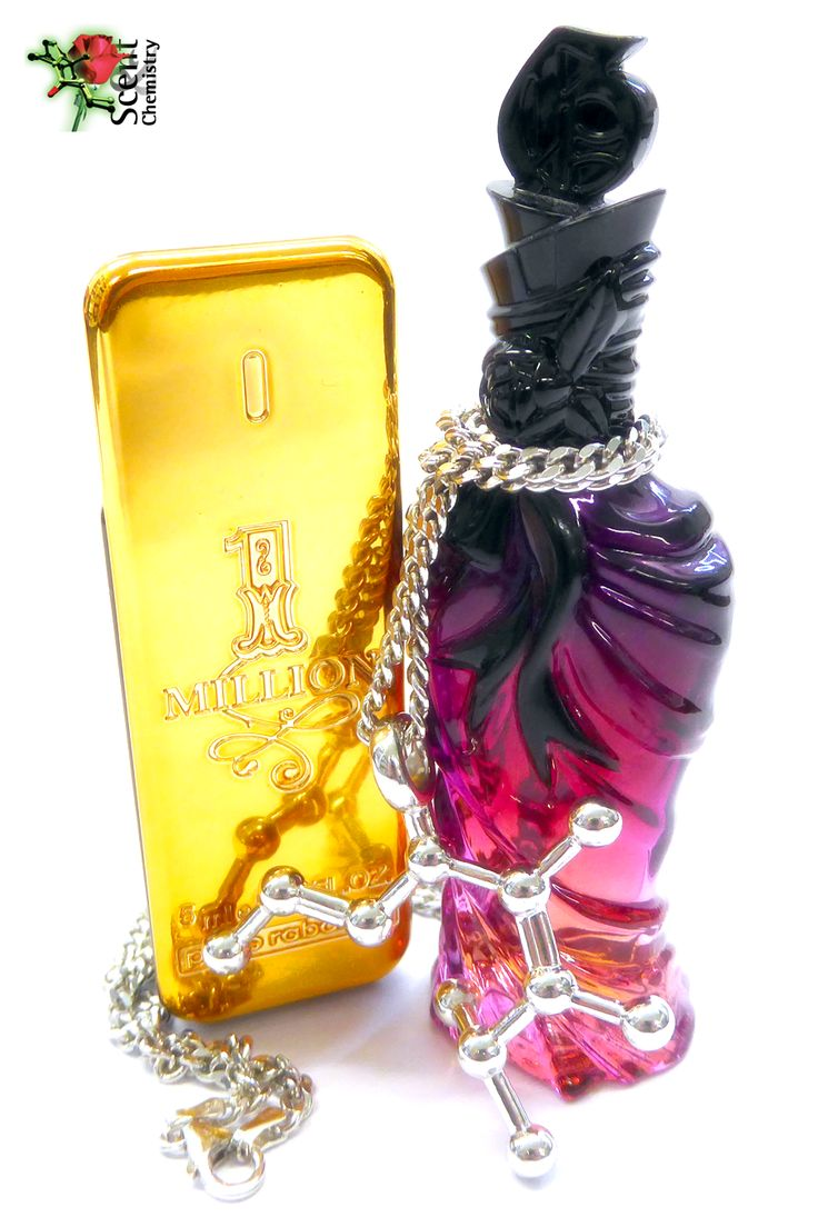 Pomarose molecule jewelry in front of perfume miniatures of '1 Million for men' (Paco Rabanne, 2008) and 'John Galliano for women' (John Galliano, 2008), to the odor of which it markedly contributes. A fragrant necklace, either perfumed or even unscented!