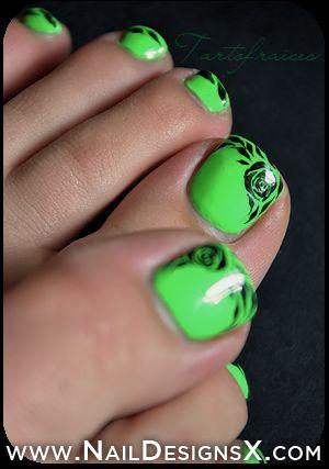 toe green nail design