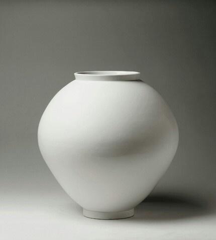 Korean Moon jar Dream to have one