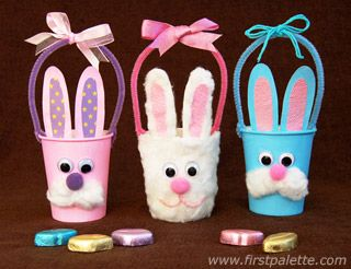 How to make these adorable Easter bunny baskets out of paper cups. #crafts #kidscrafts