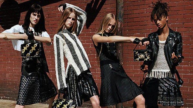 El hijo de Will Smith se pone falda para Louis Vuitton  http://stylelovely.com/noticias-moda/el-hijo-de-will-smith-se-viste-como-mujer-para-louis-vuitton/