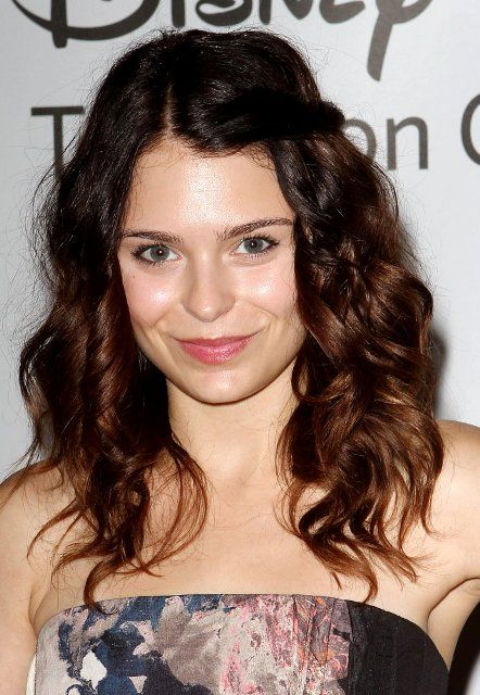 Alexandra Benjamin Krosney 25 (born January 28, 1988)[1] is an American film and television actress. She is best known for her role as Kristin Baxter on the ABC sitcom Last Man Standing during the show's first season.