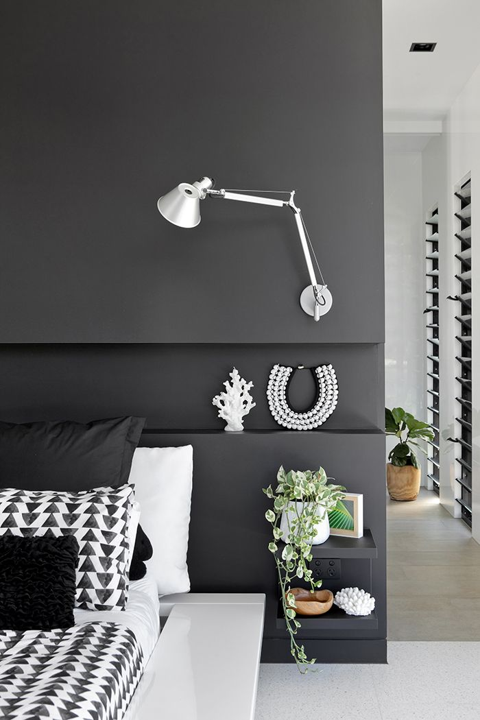 This home is incredibly warm and welcoming. Photography by Anastasia Kariofyllidis. http://www.queenslandhomes.com.au/monochrome-glass-house/