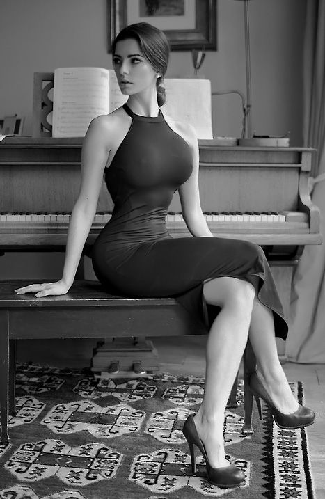 Always Aroused - Wouldn't mind learning piano with her...