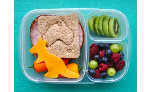 Homemade Lunches Save Money and Calories - break out of the lunch box rut! #YMCBackToSchool