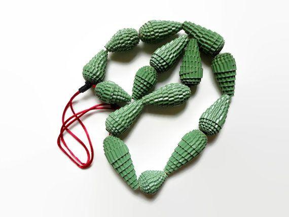 gioielli grandi-collana verde di carta di HandmadeJewelryEgeo