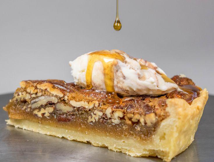 Η τάρτα (πίτα) με καρύδια Πεκάν, ήταν (δεν είναι πλέον....) κάτι που ήθελα και να κάνω και να δοκιμάσω εδώ και καιρό. Τα καρύδια Πεκάν μου αρέσουνπολύ με αυτή