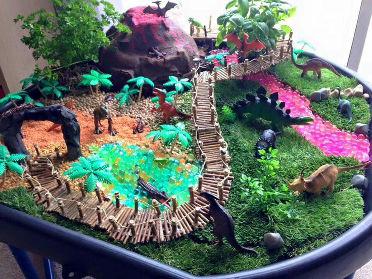Amazing diorama ideas - credit: Tuff Trays and Sensory Play (on facebook)
