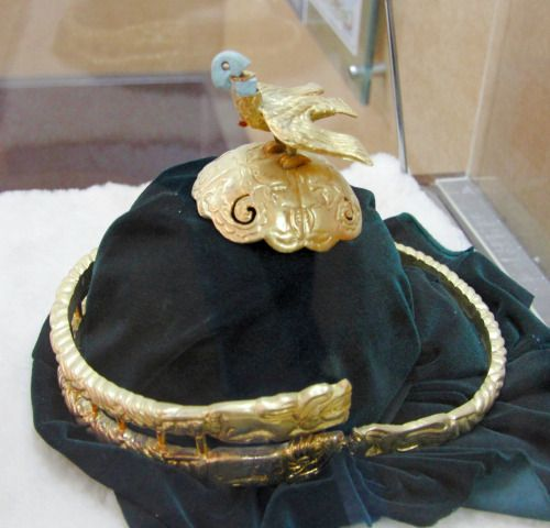 Gold crown form Xiongnu grave, Inner Mongolia