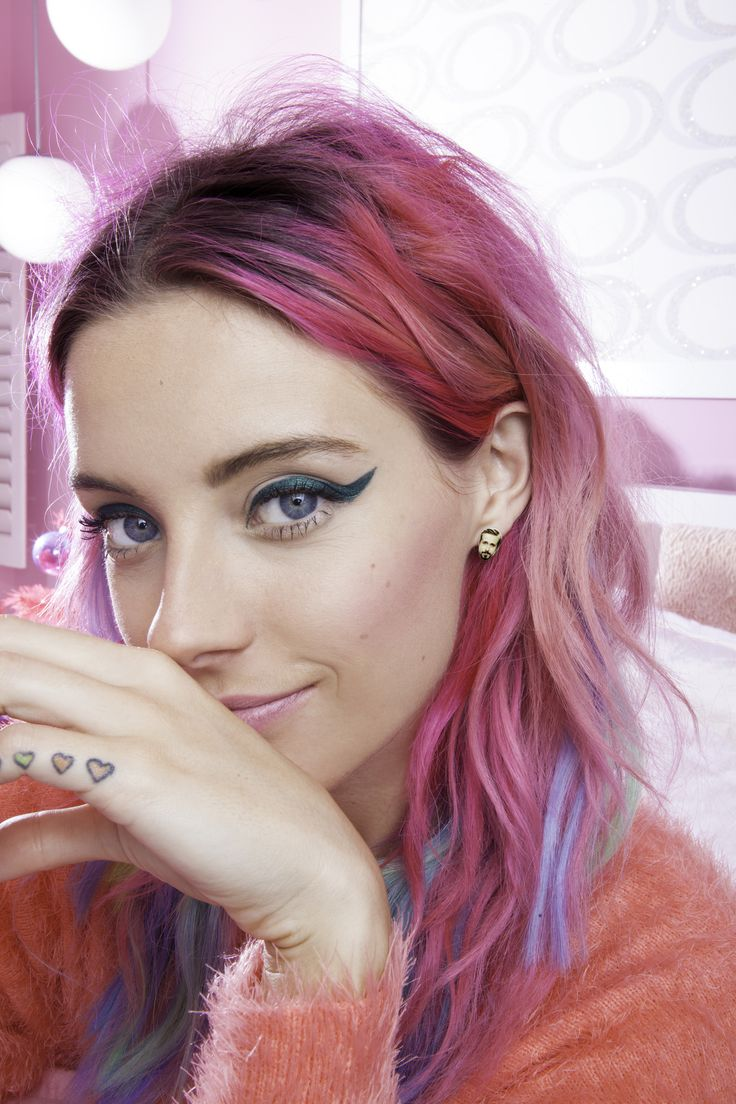 Is there anyone more fun or adorable than Chloe Norgaard and her colorful locks?