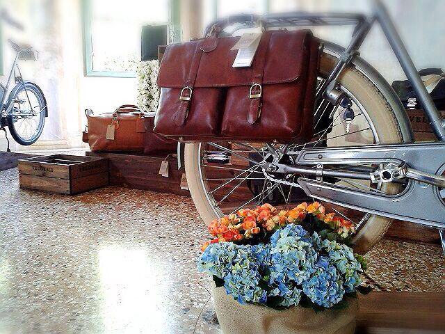 Velorbis.. Briefcase in pelle italiana