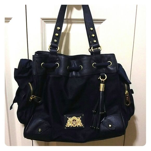 Juicy couture bag Navy blue bag, only been used once! Like NEW!! Juicy Couture Bags Totes