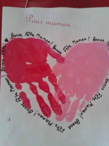 Je te fais parvenir les photos des réalisations de mes élèves de PS2 et MS pour la fête des mamans et celle des papas. Pour maman : un cadre fait avec des bâtonnets de glace peints en rose pour les filles et en bleu pour les gars. Petite fleur en bois...