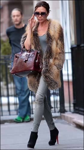 VIctoria. Yes ma'am!: Victoria Beckham Fashion, Faux Fur, Fur Coats, Fashion Style, Beckham Style, Street Style, Victoriabeckham, Style Guide, Fur Vest