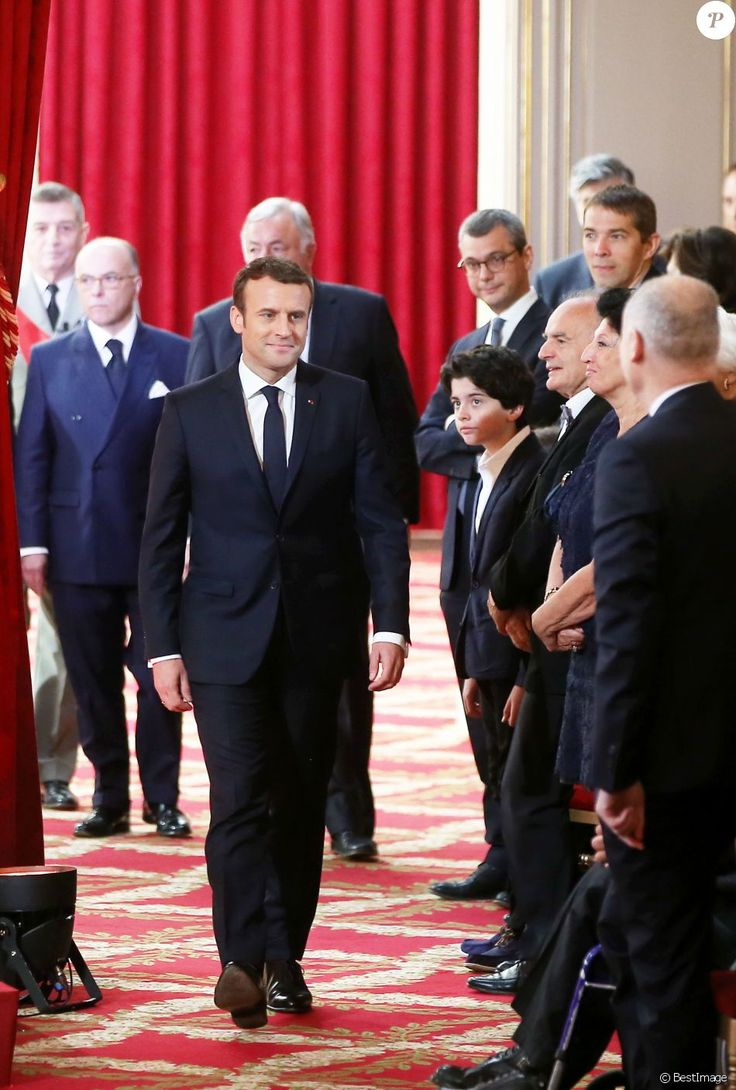 Bernard Cazeneuve, Gérard Larcher, Emmanuel Macron, Sébastien Auzière, Jean-Michel Macron et Françoise Noguès-Macron - Le président Emmanuel Macron a reçu le co...