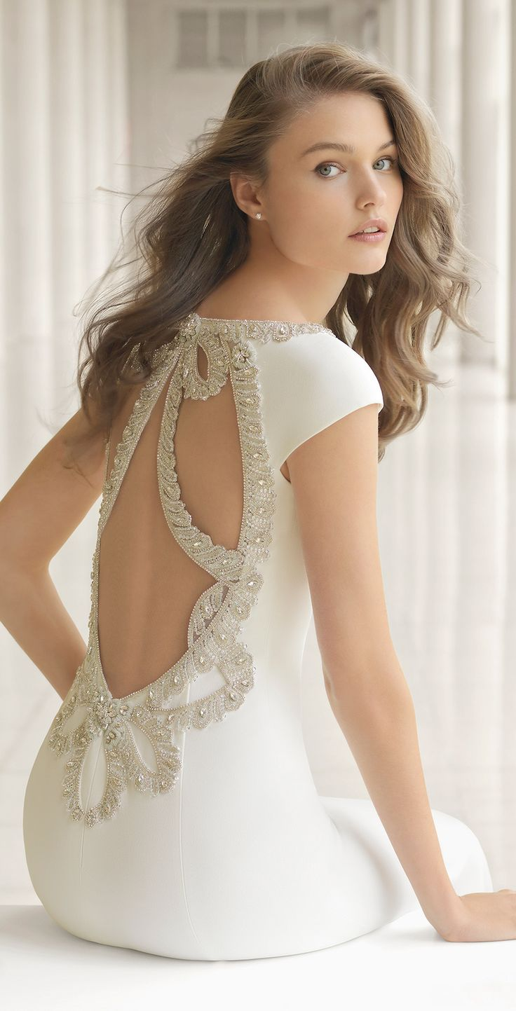 Rosa Clará Couture 2018 Bridal Collection: A Line Up Of Stunning Statement Backs #weddingdress #rosaclara #bridal #bridalgown #laceweddingdress