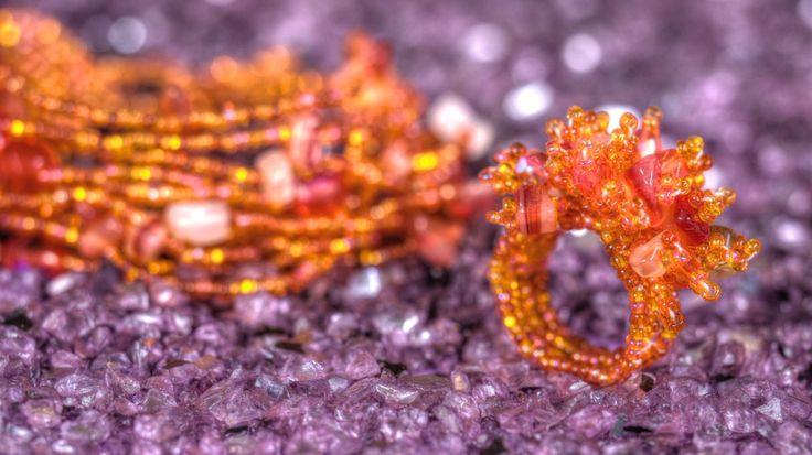 Handgjorda #smycken som sticker ut: #orange #armband & #ring från Masomenos