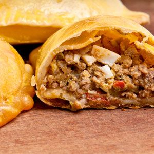 EMPANADAS:  Going to need help with the translation, but this is the Argentina empanada I am looking for!