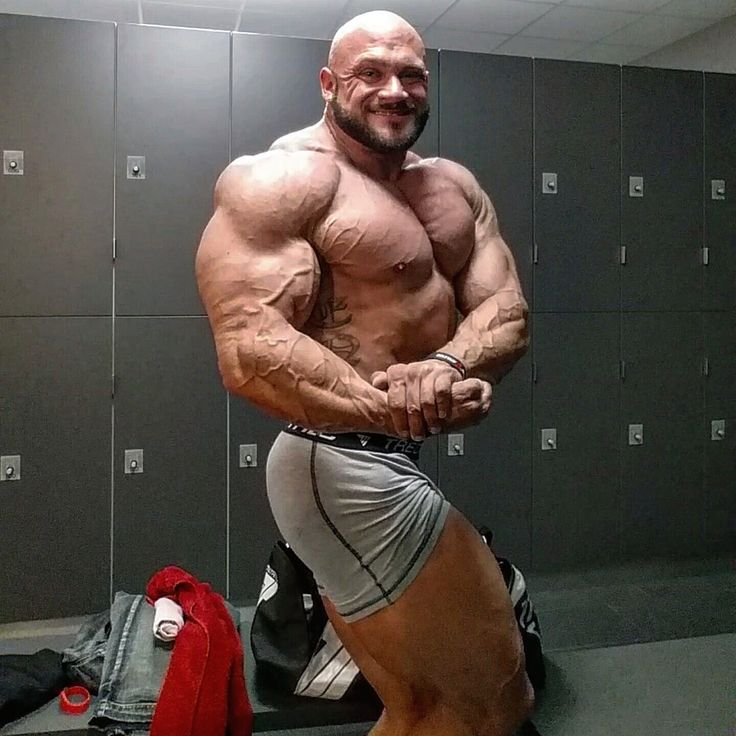 Markus Hoppe Bodybuilders In Private Relaxed