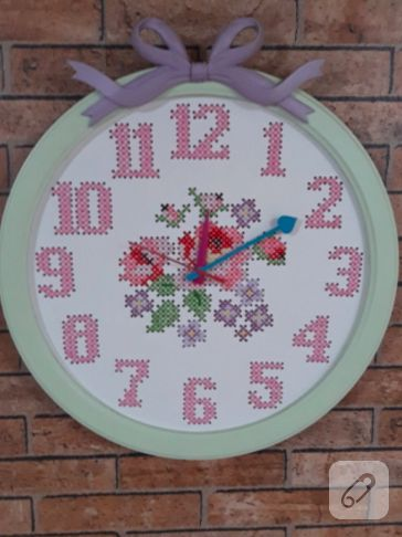 Çarpı işi duvar saati nefis! cross stitch wall clock <3