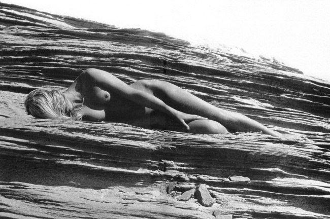 Чувственные фотографии времён СССР . В этих снимках нет  пошлости, они правдиво отображают красоту женского тела.