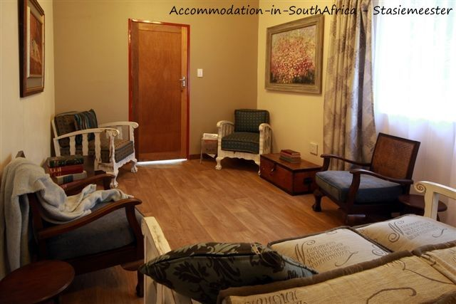 Stasiemeester Self-Catering accommodation. http://www.accommodation-in-southafrica.co.za/Mpumalanga/Chrissiesmeer/StasiemeesterSelfCatering.aspx